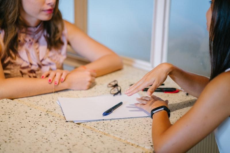 語学留学は履歴書に書くべき?書かない方が良い場合も【大学生向け】