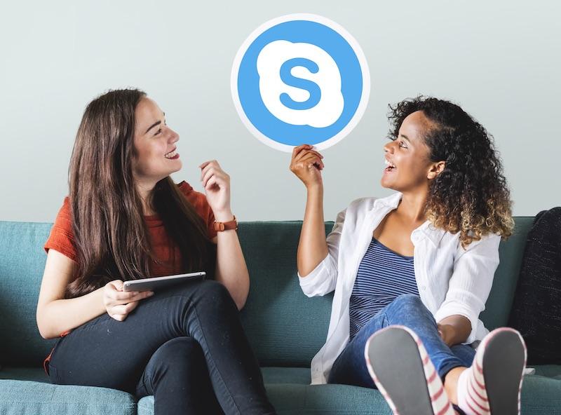 オンライン英会話で「スカイプ必要」と「不要」のサービスを比較