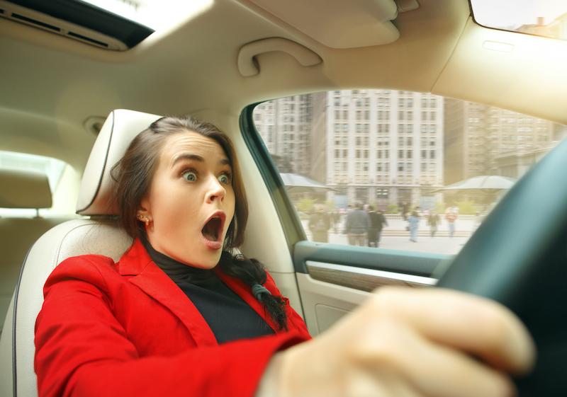 運転中のオンライン英会話は厳禁【当たり前だけど解説します】